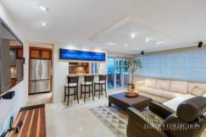 Kings Court Playa Condado apartment beachfront, Breathtaking view balcony brings ocean-to-city panoramas. The apartment is rented fully furnished.