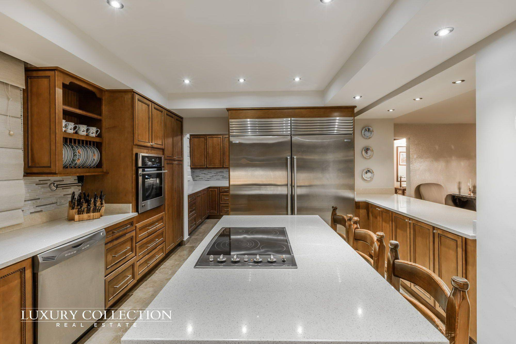 GARDEN HILLS SOUTH - LUXURY COLLECTION REAL ESTATE