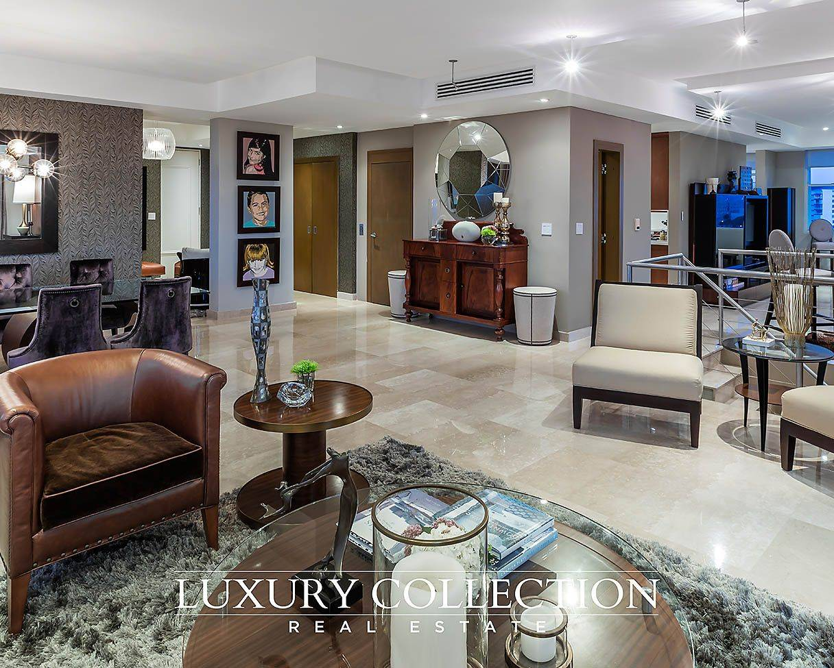 23 luxury collection plaza stella luxury collection real for Luxury home collection