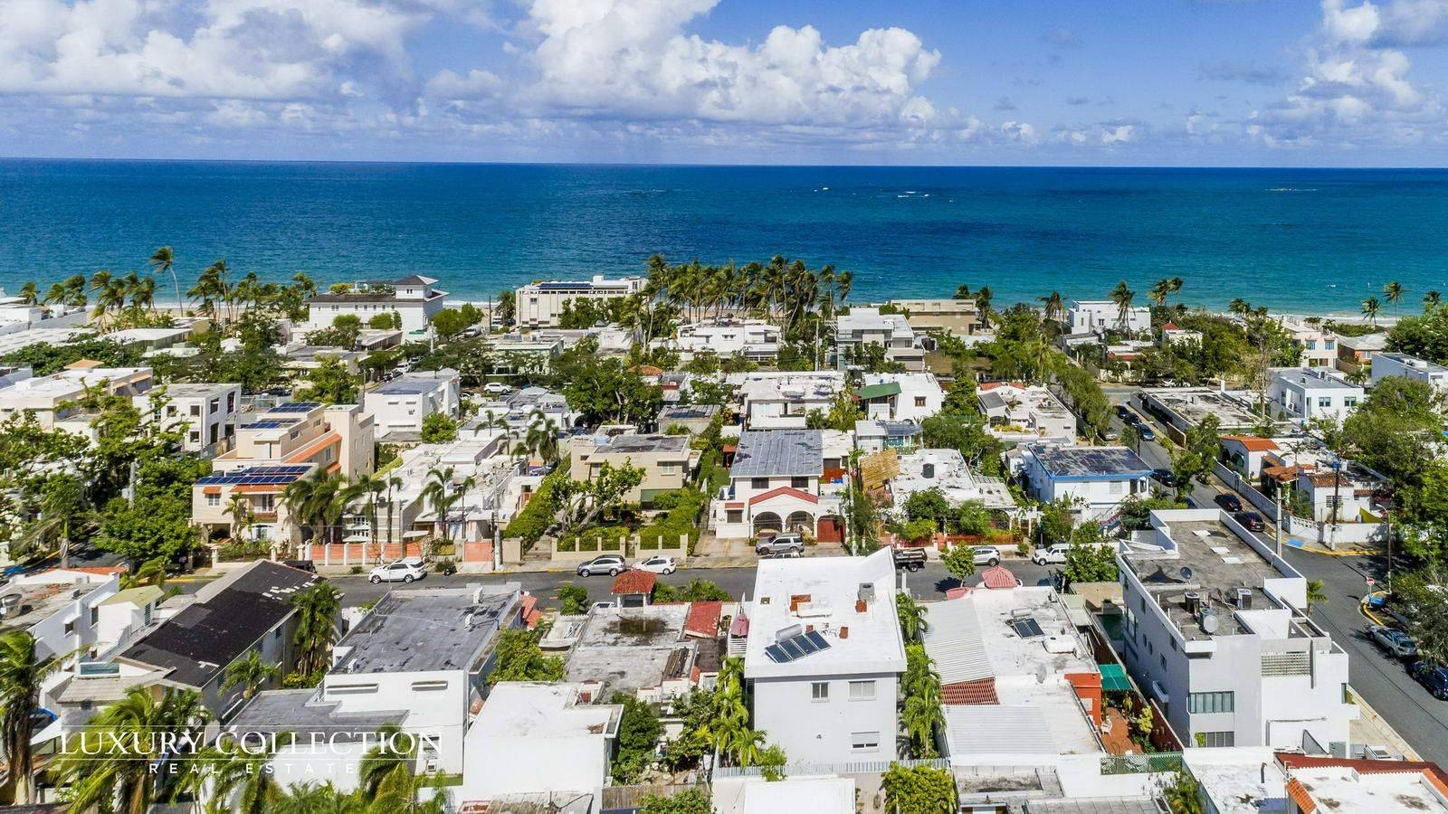 Beach house in Ocean Park for rent in Condado, Just 100 meters away from the most spectacular beach in San Juan. Great investment opportunity for Airbnb.